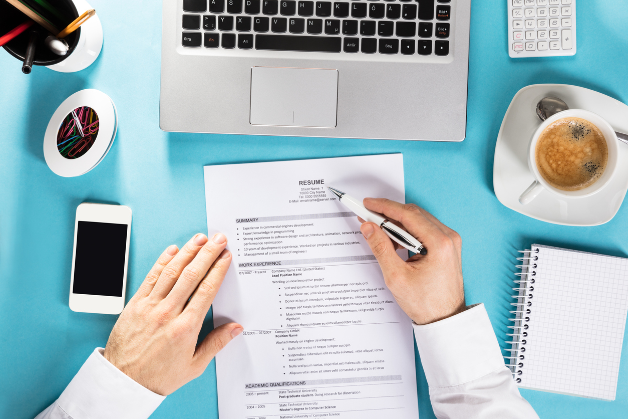 6 Essential Tactics to Perfect your CV for a Field Sales Role